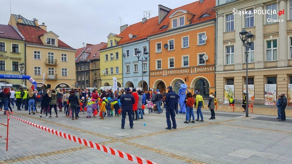 Gliwice Policja Włączyła Się W Wiosenną Akcję Na Rynku Iknurówpl