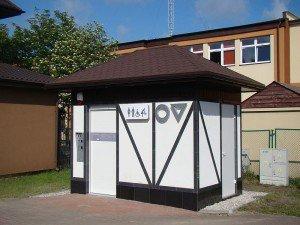 Ostatnia realizacja Automatyczna Toaleta Publiczna WC TOP model mur pruski w Jastarni